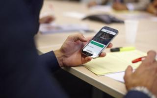 Как можно подключить мобильный банк через телефон